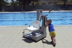 entorno-activo-elevador-piscina-portatil-metalu-400-2